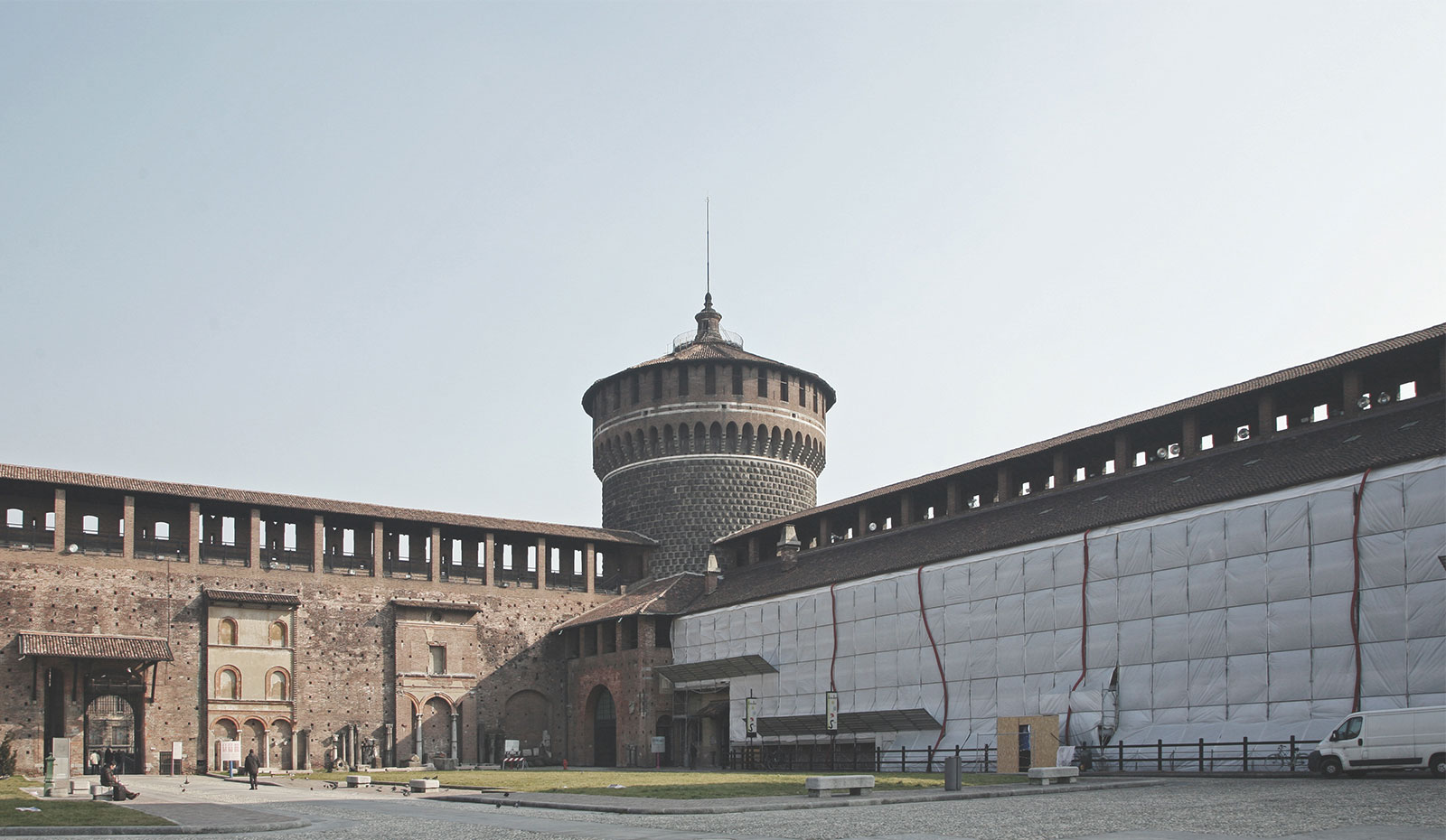 fratelli-navarra-home-header-castello-sforzesco-1